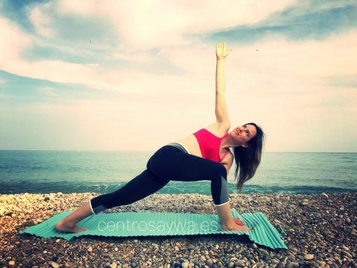 Yoga junto al mar